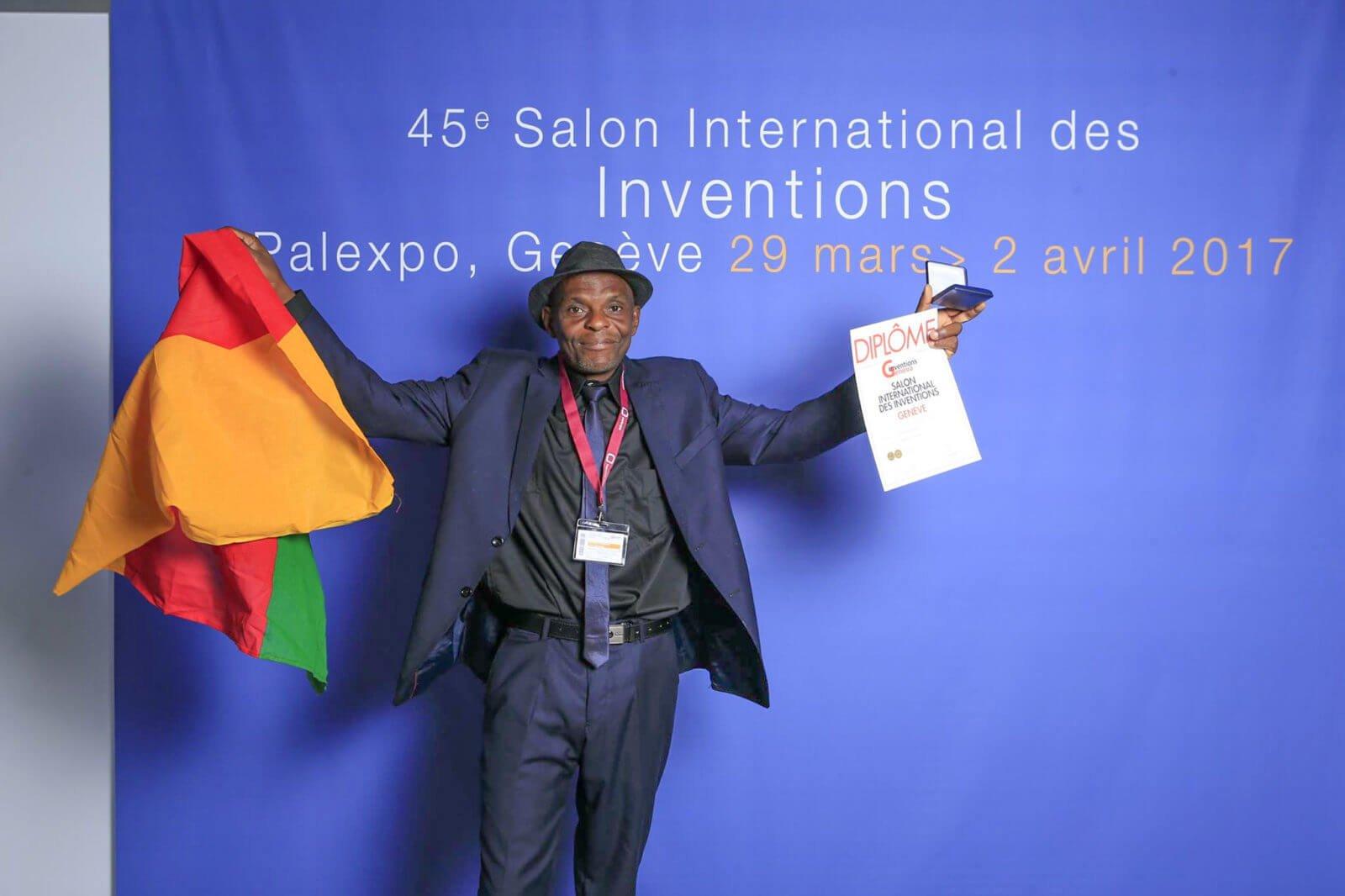 Colbert Tchakounte- inventeur de Tcahk's TV guard, dispositif africain (cameroun)